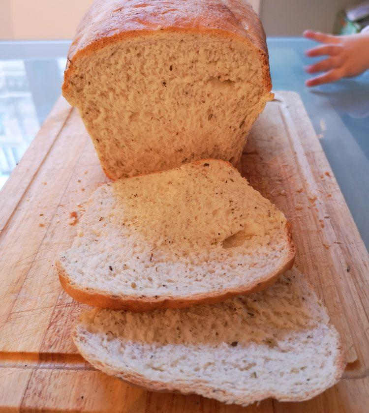 pain de mie sur planche