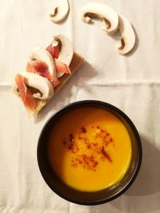 velouté butternut avec tartine au jambon ibérique